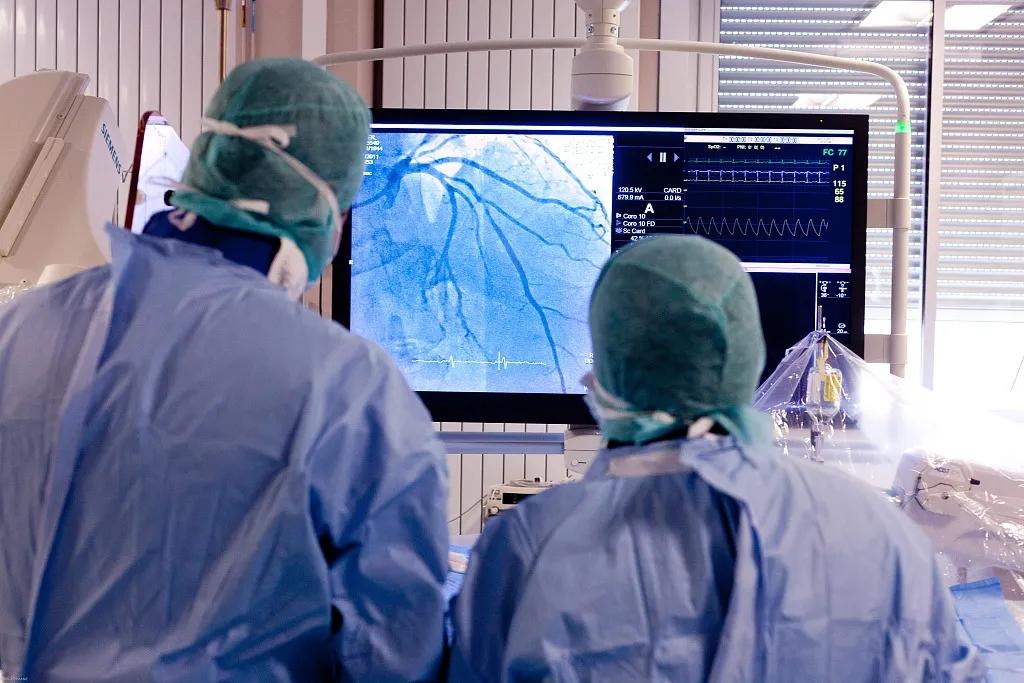 """心脏支架从万元降至百元的影响,并不是 """"医生拿不到回扣了""""那么简单"""